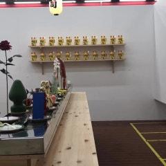 제프 쿤스, 앤디 워홀 등 미술시장을 풍자한 현대미술 회전초밥집... 2018 유니온아트페어
