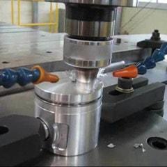 [동영상] 마찰교반용접(FSW) - 자동차 알루미늄 엔진피스톤